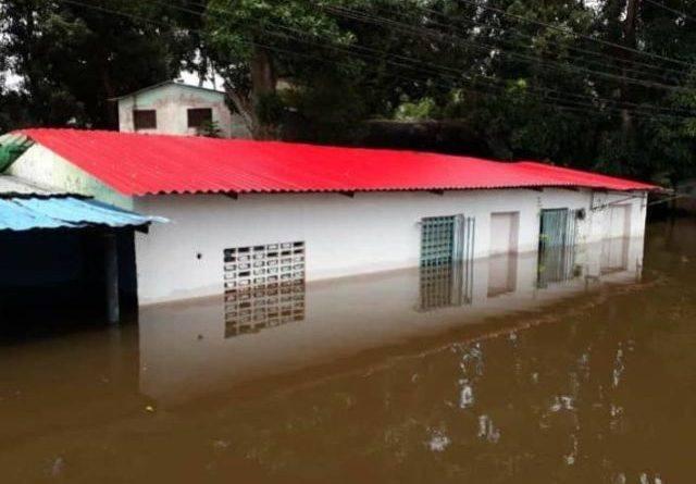 En Amazonas inundaciones dejan al menos a 500 personas sin viviendas