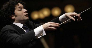 Premian a Gustavo Dudamel por activismo social con la música