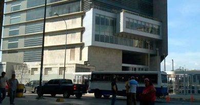 """Piso 10: el lugar donde """"ablandan"""" a los presos en el Sebin de Plaza Venezuela"""