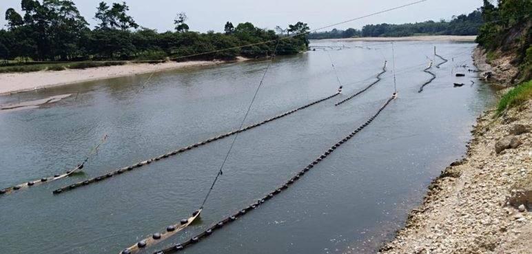 Derrame de petróleo ocasionado por el ELN avanza hacia el Lago de Maracaibo