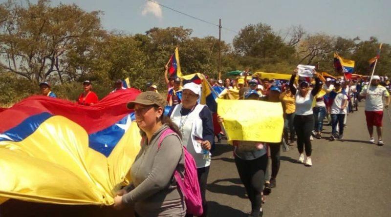 """Frontera colombo-venezolana se """"calienta"""" ante llegada de ayuda humanitaria el #23Feb"""