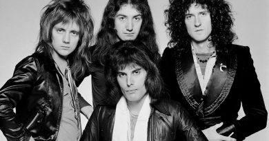 Muere el bajista original de Queen, Mike Grose